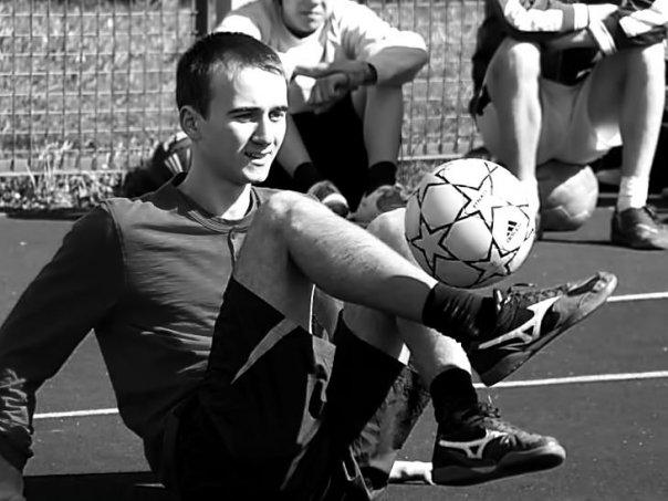 Обучение футбольному дриблингу