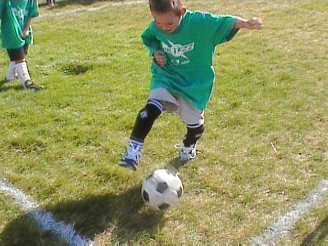 Футбольный дриблинг - популярные финты
