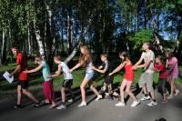 позитивные подвижные игры на свежем воздухе для младших и старших школьников